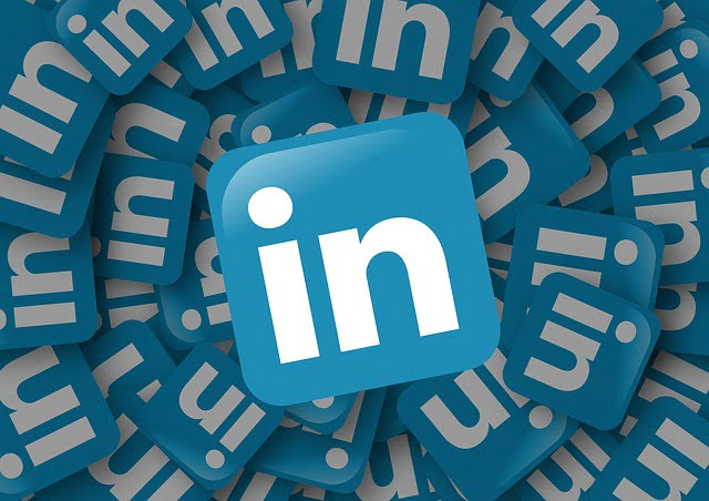 LinkedIn logo tiles in a spiral - Louise Jenner, The Dream Job Coach - Career Coaching - Gloucestershire
